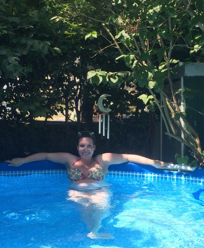 Mama Auszeit, Auszeit, mitten im Leben, Pool