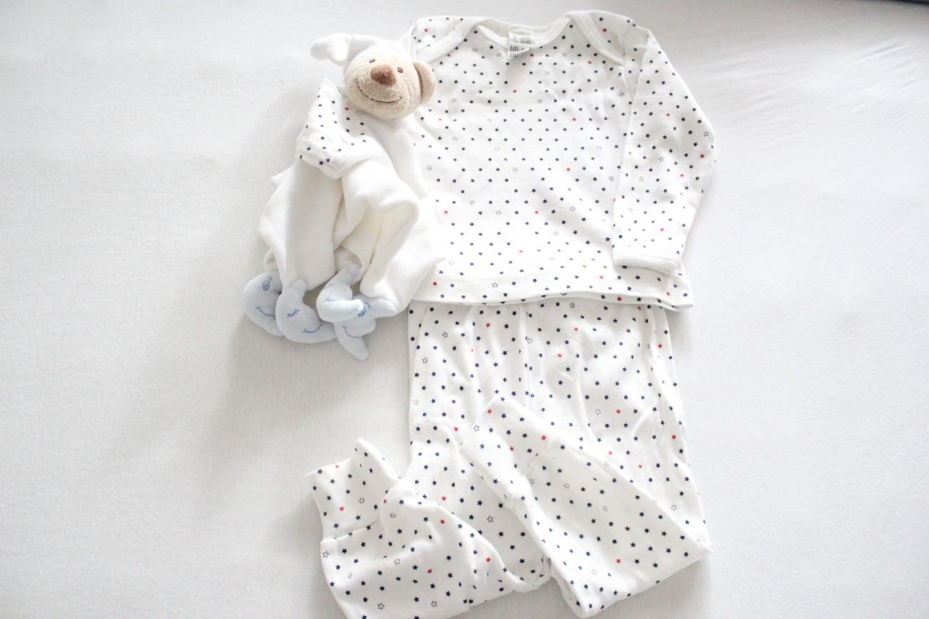 Schlafanzug baby, baby kleidung, erstlingsausstattung