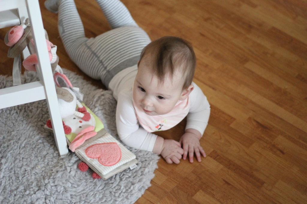 Schönes Spielzeug für Babys? Worauf kommt es an?