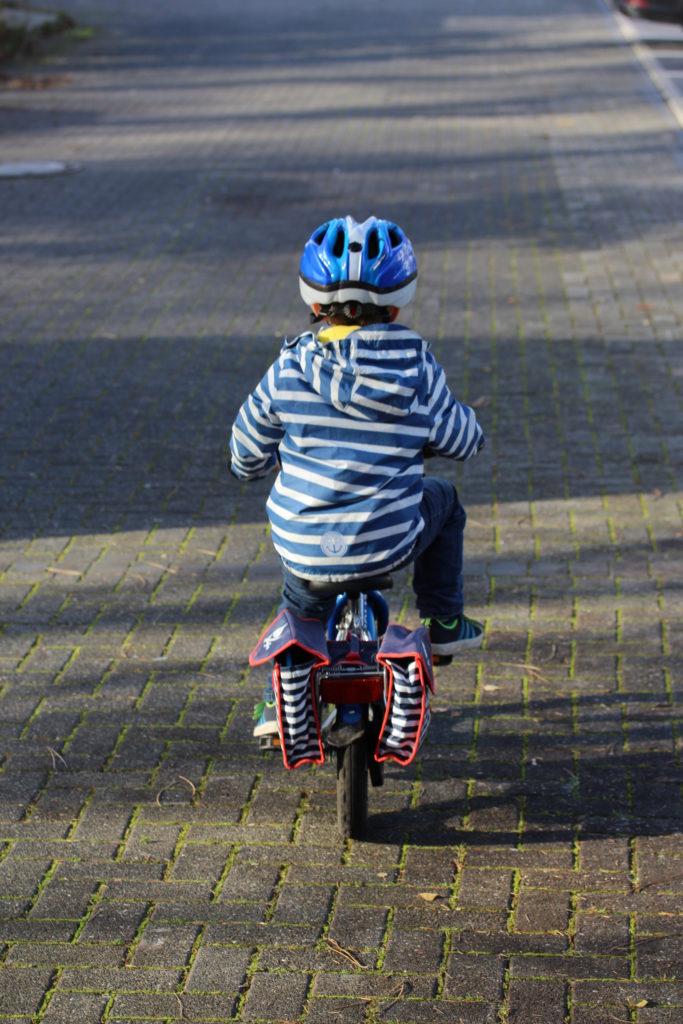 Wie mein Kind das Fahrrad fahren lernte