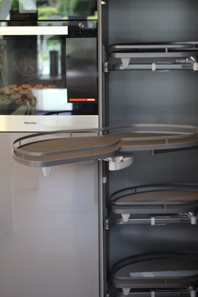 Stauraum schaffen in einer kleinen Küche
